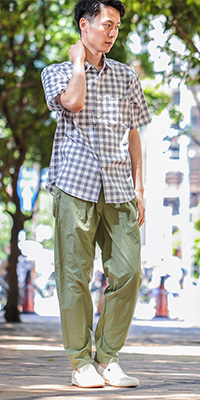 ADAM ET ROPÉ HOMME - アダム エ ロペ オム | 夏らしいニュアンスのあるプリントがポイントのシャツ。(2016/05/26)