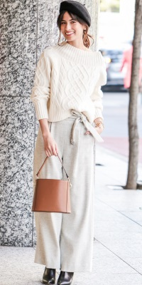 ROPÉ - ロペ   ワイドパンツを合わせたモードな着こなしも白ニットならクリーンな印象(2016/11/28)