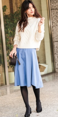ROPÉ - ロペ   きれい色のフレアスカートでピュアな白の魅力を引き立てて(2016/11/28)