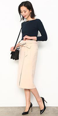 ADAM ET ROPÉ FEMME - アダム エ ロペ ファム | 脚長な美スタイルを叶えてくれるハイウエスト美人スカート(2017/03/16)