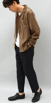 ADAM ET ROPÉ HOMME - アダム エ ロペ オム | 開襟シャツに、ベロア素材を落とし込んだトレンド感溢れる一着(2017/08/17)