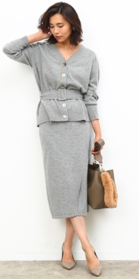 ROPÉ - ロペ   セットアップで着てウエストをマーク。きちんときれいな通勤スタイルに。(2017/09/28)