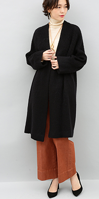 ADAM ET ROPÉ FEMME - アダム エ ロペ ファム | モヘヤ混のやわらかなシャギーが気軽に着られて今っぽい素材感(2017/10/20)