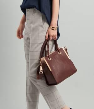 ViS - ビス   【MORE10月号掲載】メタルバーポイントボンディングバッグ