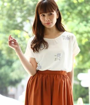 ViS - ビス | 【2WAY】フラワー刺繍Tシャツ