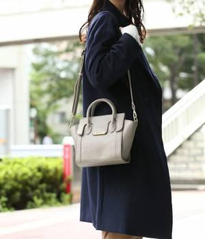 ViS - ビス | 【2WAY】フラップ付きミドルバッグ