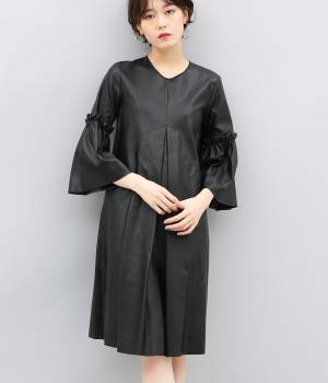 ADAM ET ROPÉ FEMME - アダム エ ロペ ファム | 【MM6】Fake leather dress Pleated sleeve