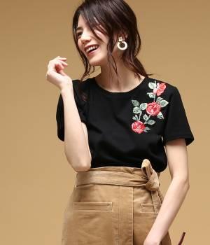 ROPÉ mademoiselle - ロペ マドモアゼル | 【先行予約】【DILIGENCE PARLOUR】フラワー刺繍Tシャツ(バラ)