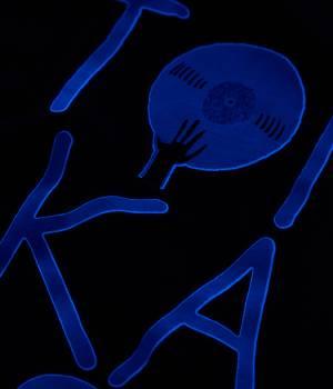 JUN SELECT - ジュンセレクト | 【TIME SALE】とんかつDJアゲ太郎×JUNRed WEB別注とんかつDJアゲ太郎×JUNRedブラックライトTシャツ DJ AGETARO