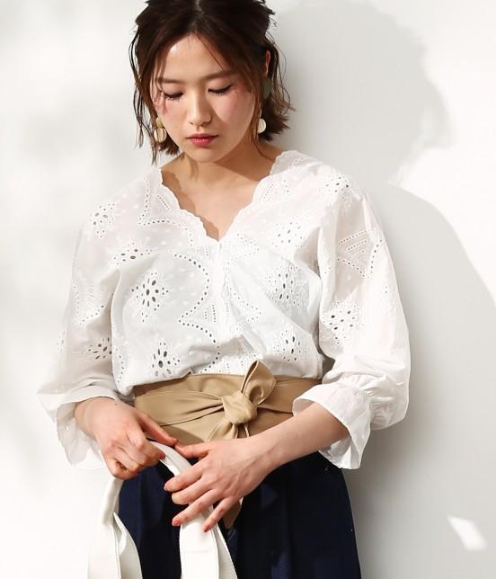 ビス   【WEB限定カラー】パンチングレースボリューム袖ブラウス   ホワイト