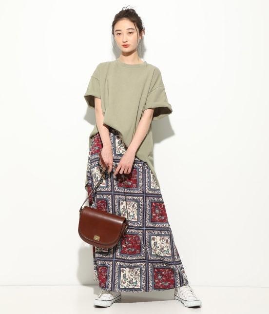 ビス   【WEB限定】半袖スリット入りTシャツ - 11